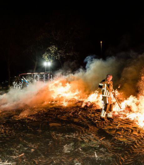 Pop van strobalen brandt af bij boer in Goirle