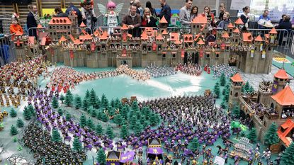 Middeleeuws slagveld tot leven gebracht met Playmobil