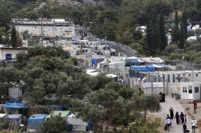 Het vluchtelingenkamp Vathy op Samos in 2019. Beeld Hollandse Hoogte / AFP