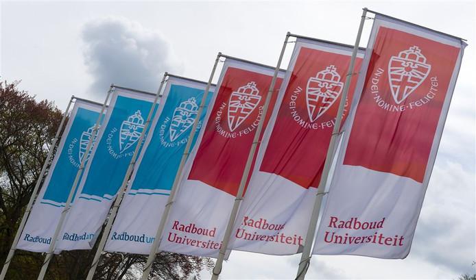 De Radboud Universiteit.