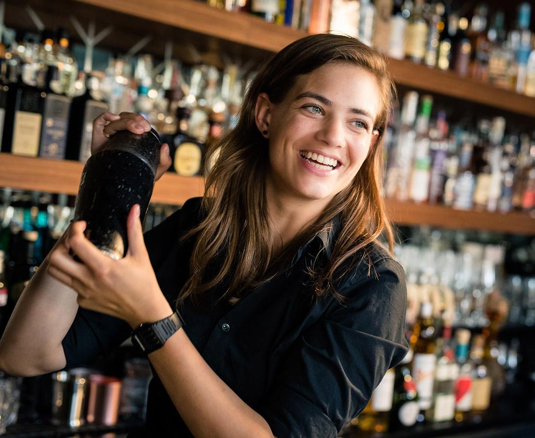 Tess Posthumus, de beste vrouwelijke bartender ter wereld.