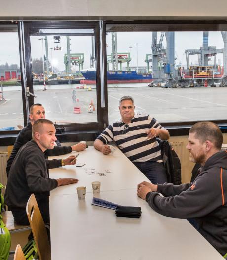 Directie over havenwerkers die verplicht in de kantine moeten hangen: 'Eigen schuld'