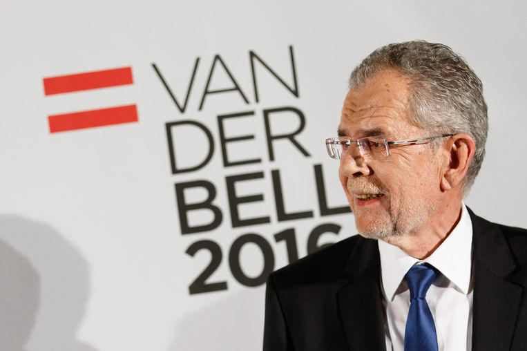 Winnaar Alexander van der bellen (72). Beeld EPA