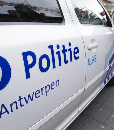 Un homme grièvement blessé après avoir été poignardé dans le centre d'Anvers
