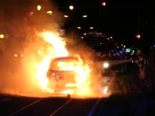 Overleden persoon aangetroffen in uitgebrande auto