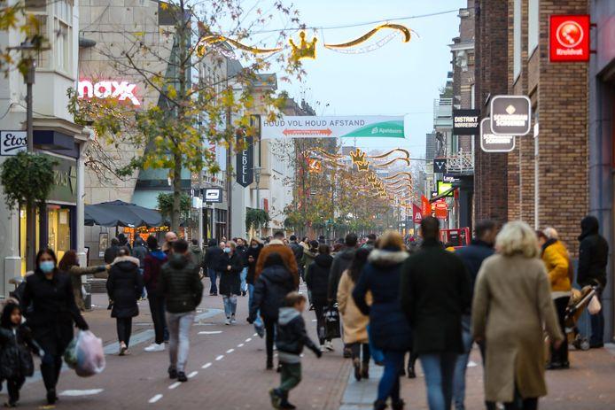 Het centrum van Apeldoorn is te vol en daarom wordt er in gegrepen.