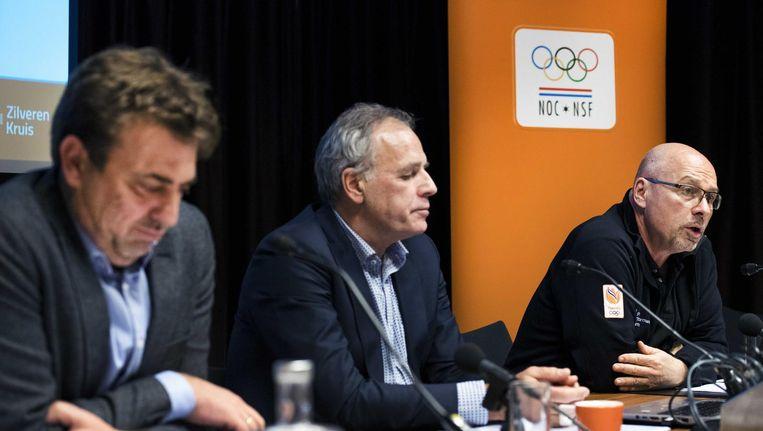 Jeroen Bijl (L), Gerard Dielessen (M) en Maurits Hendriks (R) tijdens de persbijeenkomst van het NOC*NSF waarin de budgetten voor de verschillende takken van topsport worden toegelicht. Beeld anp