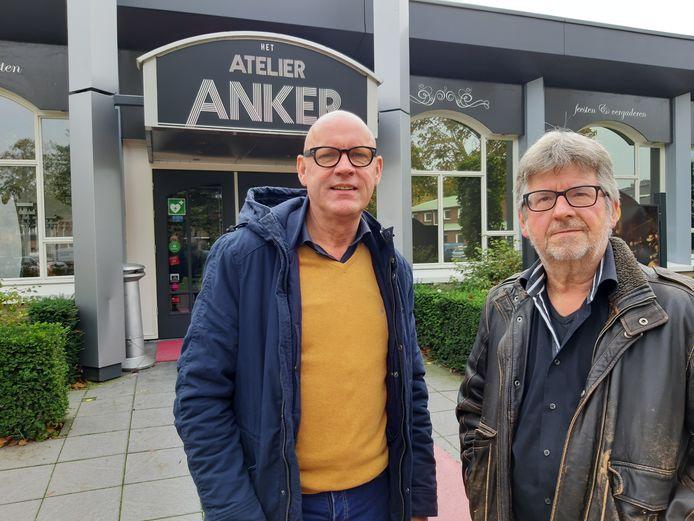 Johan Mensink (links) en Jan Assink van de stichting Wie Wolt Wa Wierden.