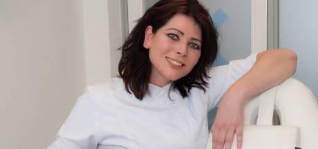 Tienduizend besnijdenissen: Reeuwijkse arts Nathalie is gespecialiseerd in 'piemels zonder dakje'