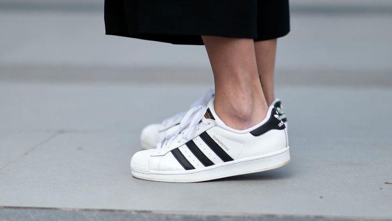 3 Eruit Last Sneakers Om Te Stinkende Van Trucjes Vieze Geuren PXkiuTZO