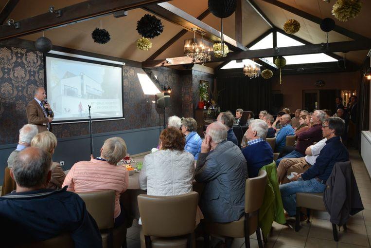 Zowat vijftig man kwam opdagen voor de infovergadering van Hyboma in De Drie Koningen in Gits