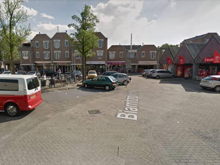 Man grist handtas van kinderwagen in Eindhoven