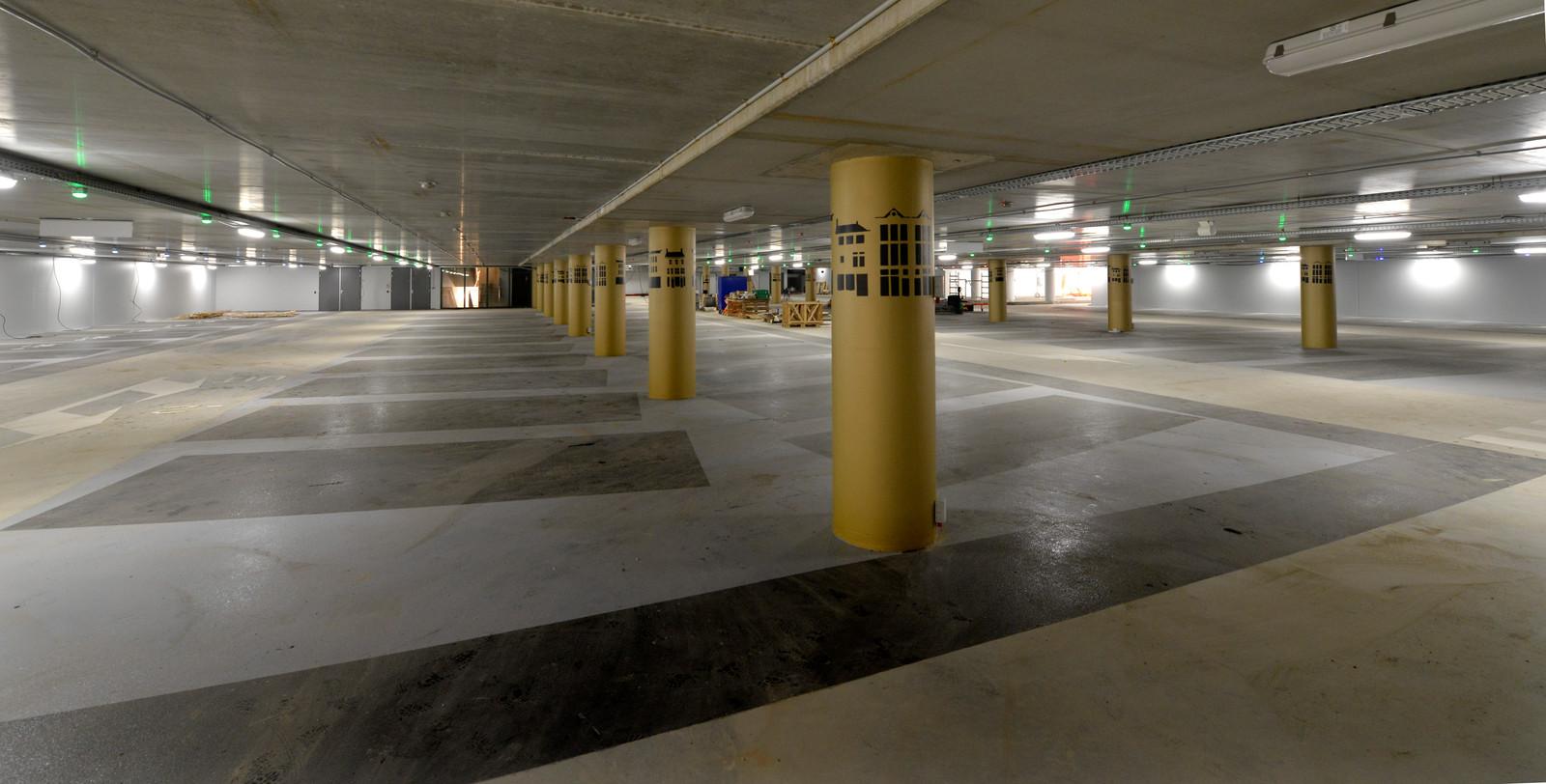 Parkeerplaats de Westluidense Poort onder cultuurcentrum Zinder