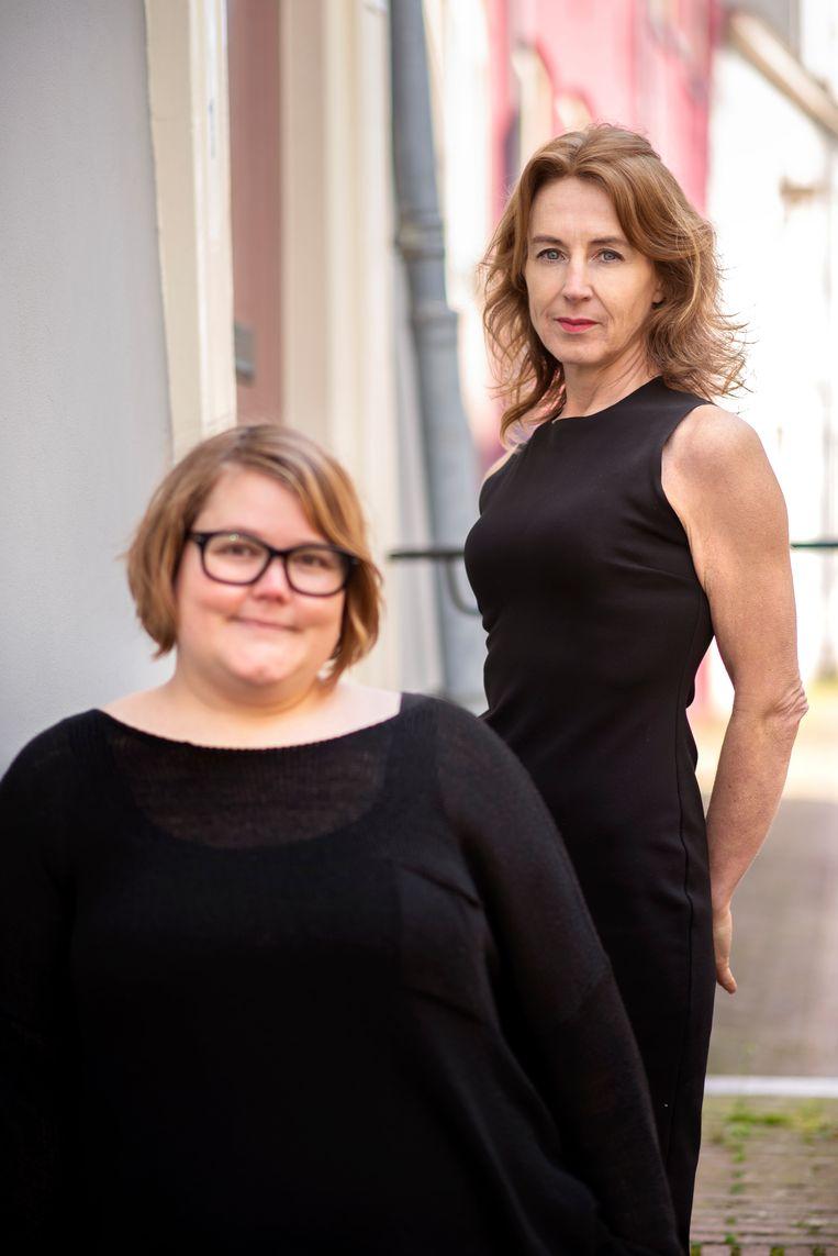 Heleen Mees (rechts): 'In deeltijd werkende vrouwen bevestigen het rollenpatroon.' Beeld Els Zweerink