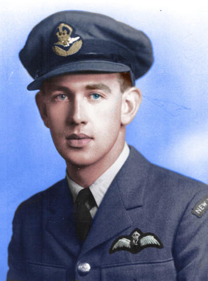 Jack Lunn kwam in de Tweede Wereldoorlog op 21-jarige leeftijd om het leven, nadat zijn vliegtuig boven Heukelum werd neergehaald door Duits afweergeschut.