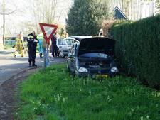 Vier lichtgewonden bij botsing met twee auto's in Zieuwent