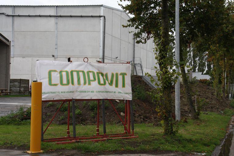 Compovit is sinds een tijdje gevestigd in de Kleine Dries. Komt de geurhinder van dat bedrijf? Het wordt onderzocht