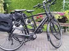 Twee elektrische fietsen gestolen in Goor