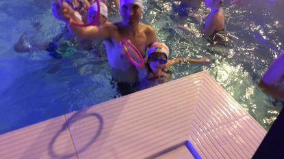 230 zwemmers duiken naar nieuwjaarspakjes