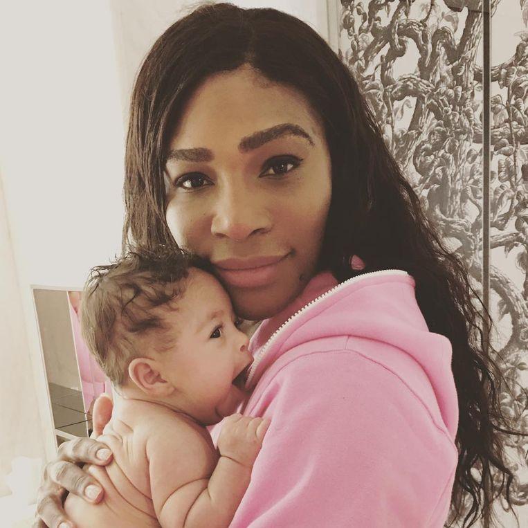 'De eerste weken met mijn baby waren héérlijk', aldus Serena.