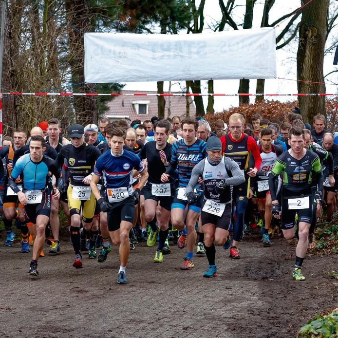 Etten-Leur - 10-2-2019 - Foto: Pix4Profs/Marcel Otterspeer - Crossduatlon bij 't Santspuy. Drukte bij de start.