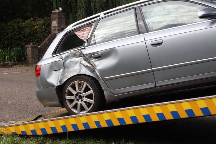 Ongeluk met twee auto's en een bestelbus in Veghel.