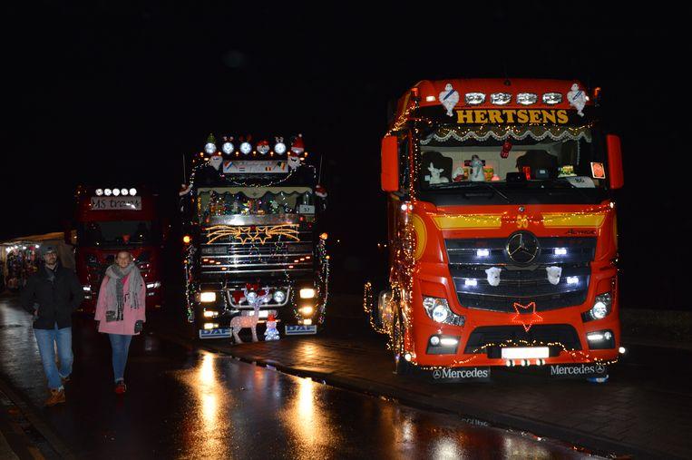 Er waren heel wat versierde en verlichte trucks te bewonderen langs de Denderkaai.