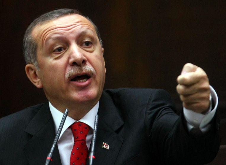 """""""Ze hebben gezegd dat ze niet in Manbij zouden blijven. Dus, waarom blijven jullie?"""", aldus de Turkse president Erdogan."""