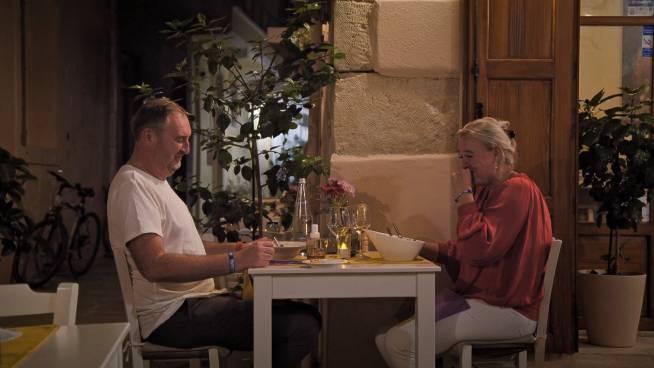 PREVIEW: Sven en Veerle hebben slappe lach op huwelijksreis