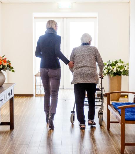 Thuiszorgmedewerkster uit Staphorst steelt geld van 15 bejaarden in Meppel