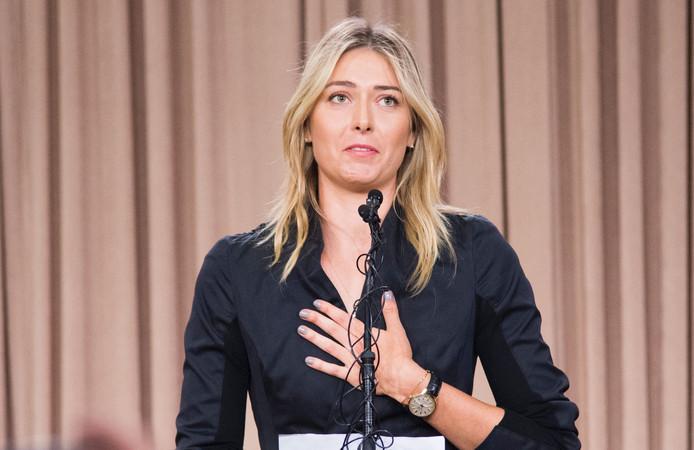 Tennisster Maria Sjarapova tijdens de persconferentie over haar positieve dopingtest, maart 2016.