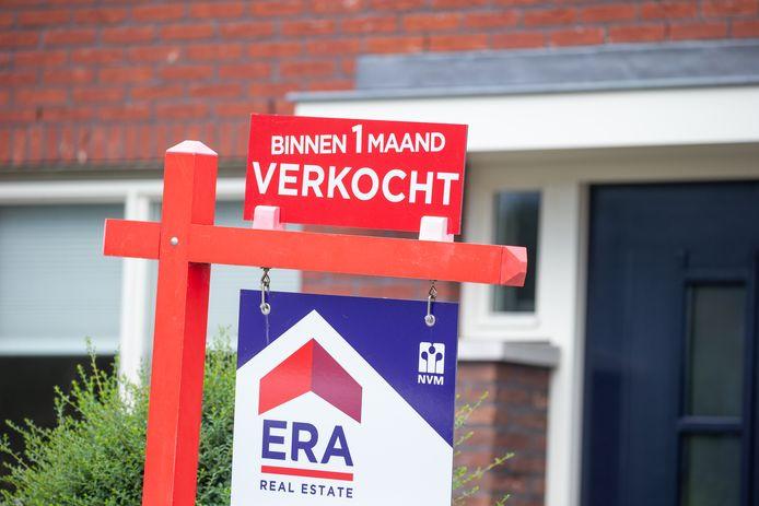 Steeds meer huizen worden opgekocht door particuliere investeerders, die de woning vervolgens maximaal opdelen in te verhuren kamers.