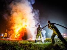 Brand in grote stapel hooi in Nuenen