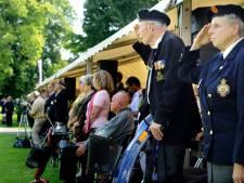 Besloten Indië-herdenking in Blijdensteinpark Enschede