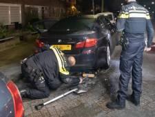 Aanmaakblokjes gevonden onder brandende BMW in Baarn