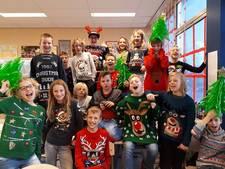 Klas Geervliet dag eerder in kersttrui naar school