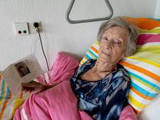 Hartverwarmend: zieke Nel (94) krijgt 'lief kaartje' van anonieme Floor (18) en wil haar graag bedanken
