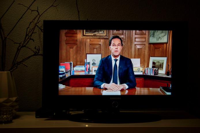 Premier Rutte tijdens zijn tv-toespraak maandagavond.