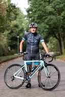 Henk van Mulukom (76) is nog steeds een fanatiek wielrenner. In het verleden organiseerde hij veel wedstrijden, waaronder de Ronde van Nederland.