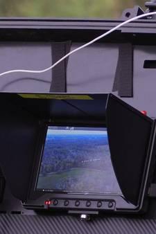 Drone wijst vrouw en agenten de weg in natuurgebied bij Haaksbergen
