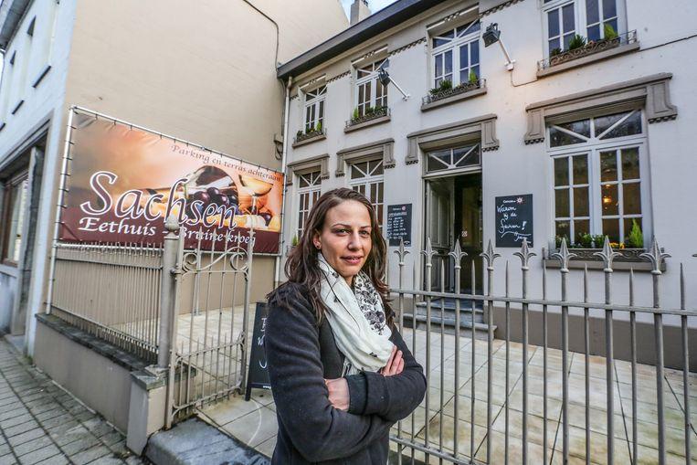 Justine Huyse bij haar nieuwe taverne Sachsen.