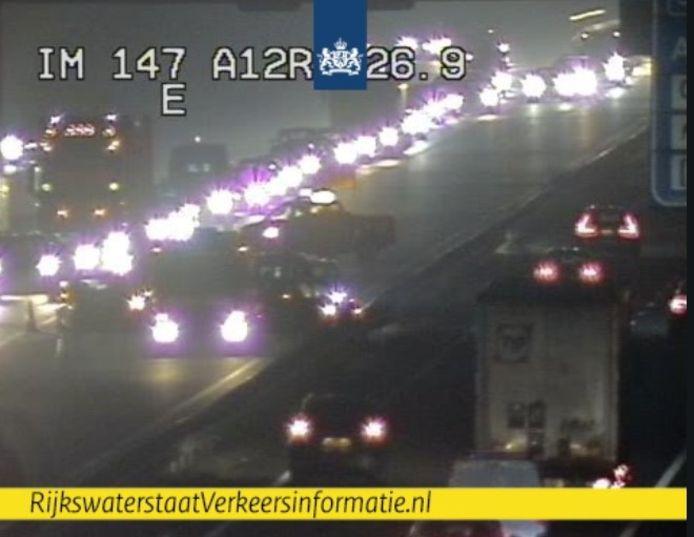 De situatie op de A12 bij Arnhem op camerabeeld van Rijkswaterstaat.