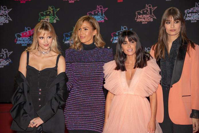 Angèle, Vitaa, Jenifer et Clara Luciani sur le tapis rouge des NRJ music Awards .