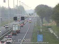 A58 bij knooppunt De Baars weer vrij na ongeluk met auto en vrachtwagen