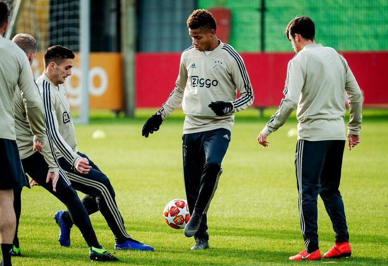 David Neres tijdens de training van Ajax Beeld anp