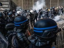 Politie treedt op tegen gele hesjes in Parijs