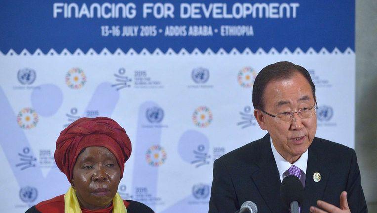 Links Nkosazana Dlamini Zuma, voorzitter van de Afrikaanse Unie. Rechts Ban Ki-Moon, secretaris-generaal van de Verenigde Naties. Beeld anp