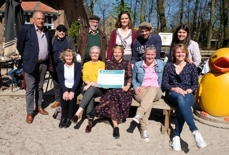 cheque rood seniorenfeest