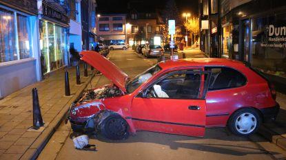 Bestuurder en passagier gewond bij ongeval op Varkensmarkt