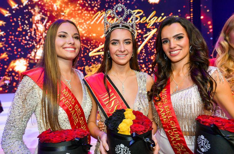 De Naamse Elodie Duchesne (links) werd eerste eredame, Miss Antwerpen Aline Elsermans (rechts) tweede.